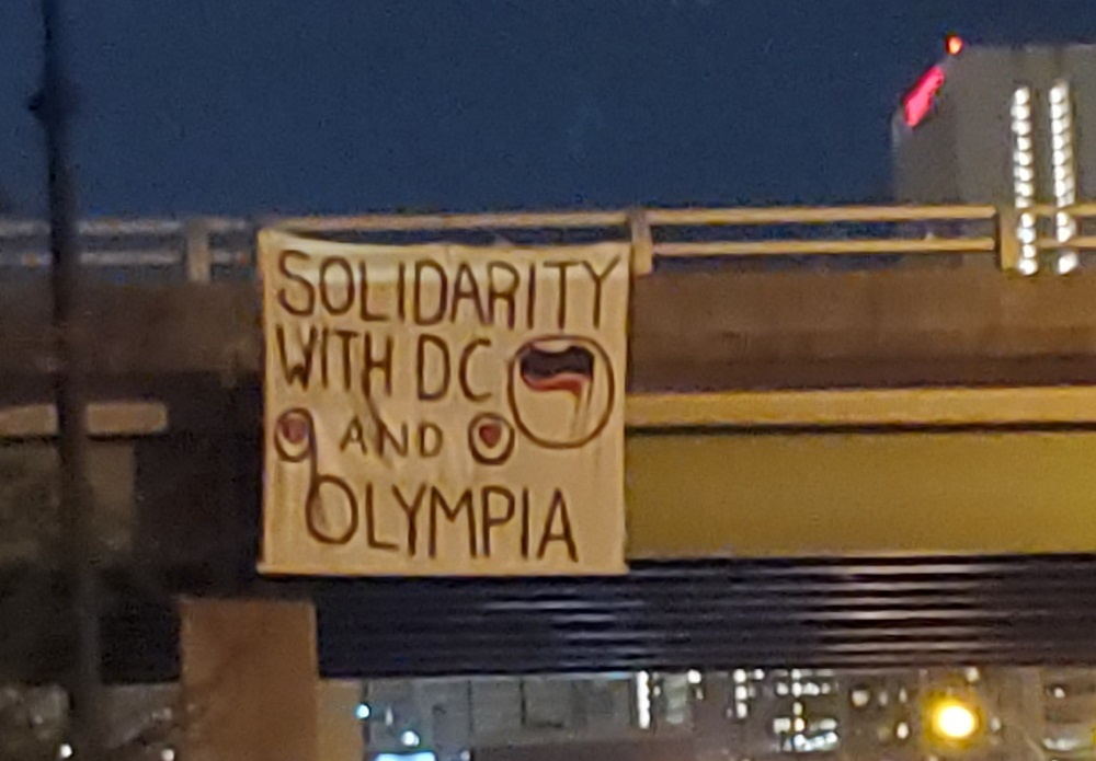 Atlanta Antifascists Drop Banner in Solidarity With Olympia and DC