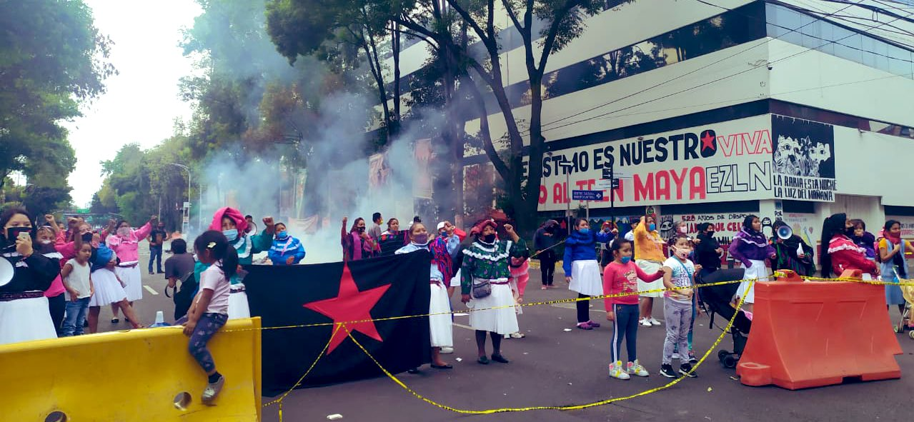 Indigenous Otomi Zapatistas Clash With Police in Mexico City