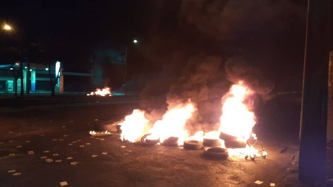 Protesters in Santiago Light Barricades After Police Terrorize Daughter of Murdered Mapuche Activist