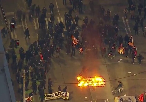 Seattle Anarchists March Against ICE on J20