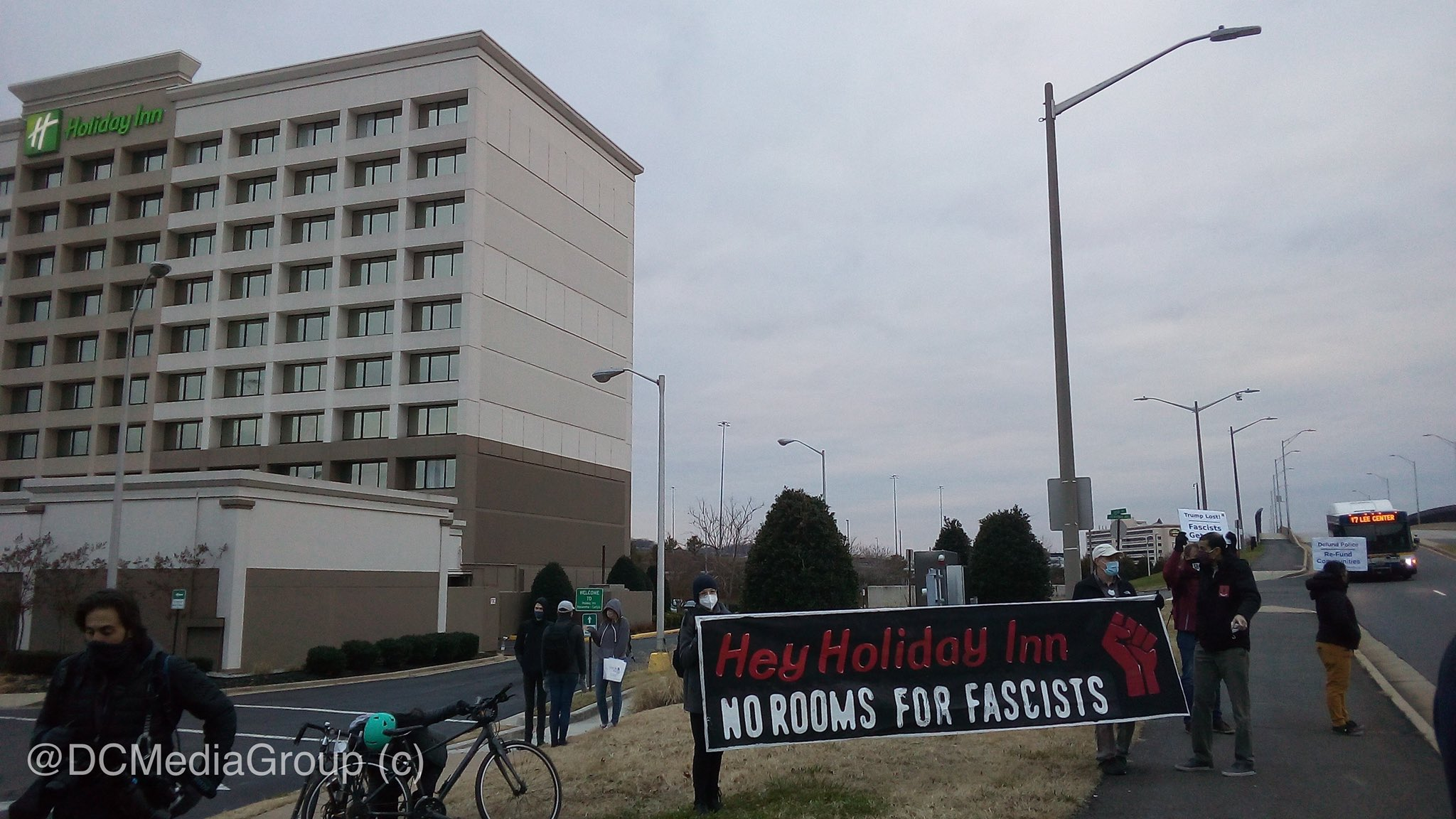 Antifascists in Washington D.C. Protest Against Holiday Inn