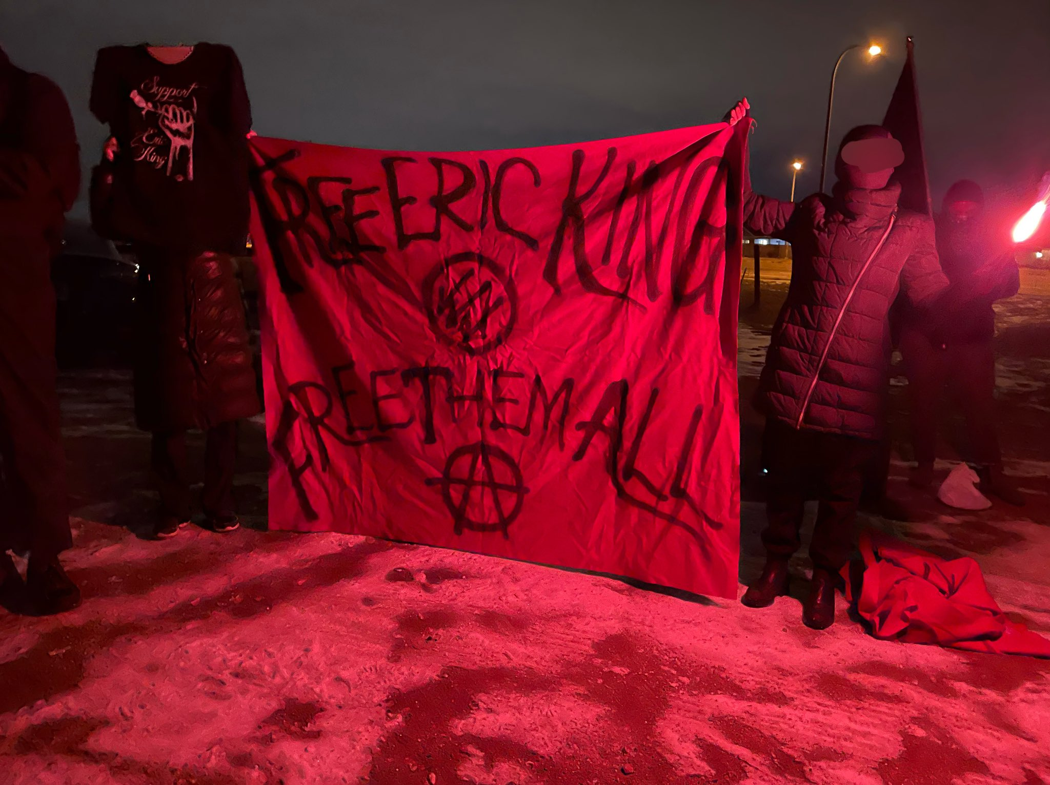 Anarchists in Denver Protest in Solidarity With Prisoners in Federal Facility