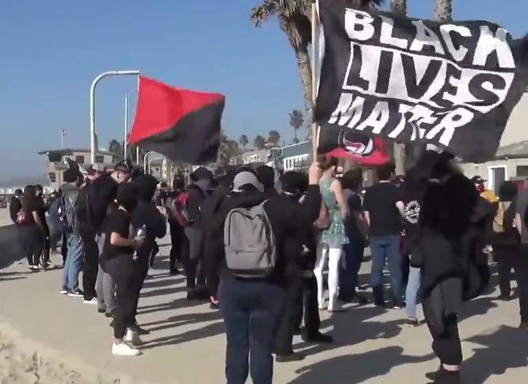 Antifascists Gather to Counterprotest Trump Event in San Diego