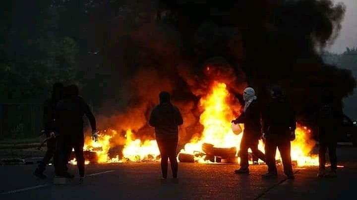 Protesters in Temuco Place Barricades on Anniversary of Police Murder of Mapuche
