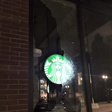 Portland Protesters Pelt Snowballs and Smash Windows at Anti-Police March