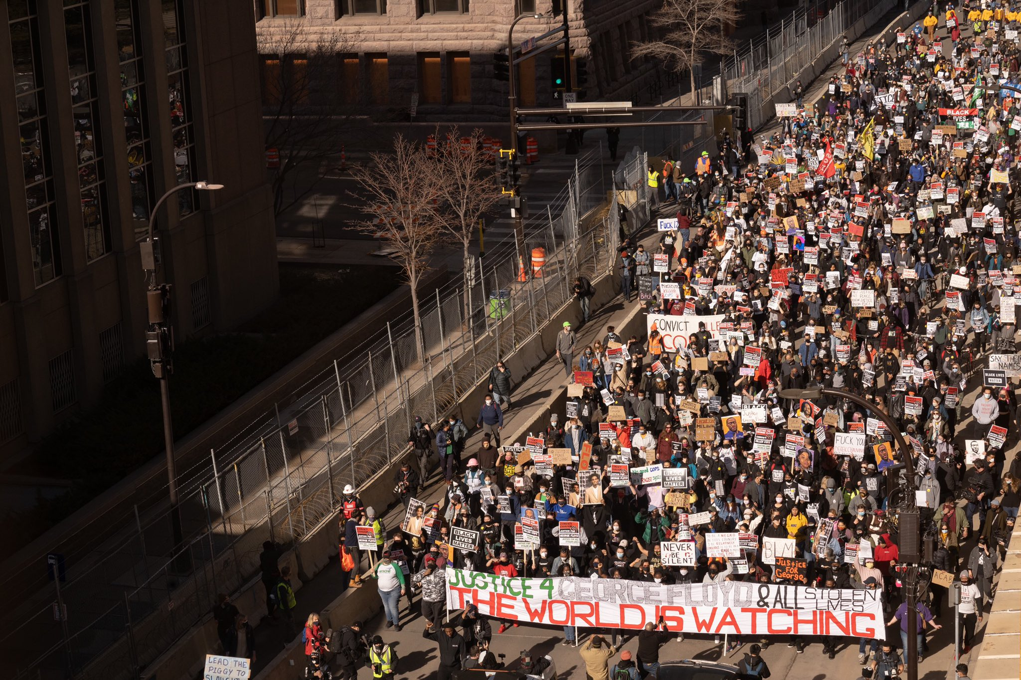1000+ Protesters March in Minneapolis During Beginning of Derek Chauvin Trial