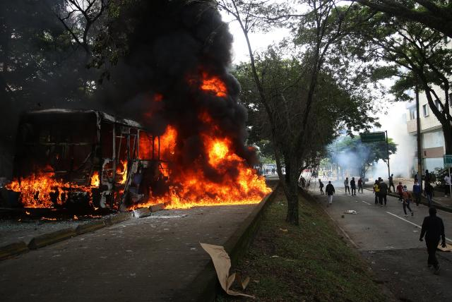 Tens of Thousands of Colombians in Cali Strike Against Tax Increases