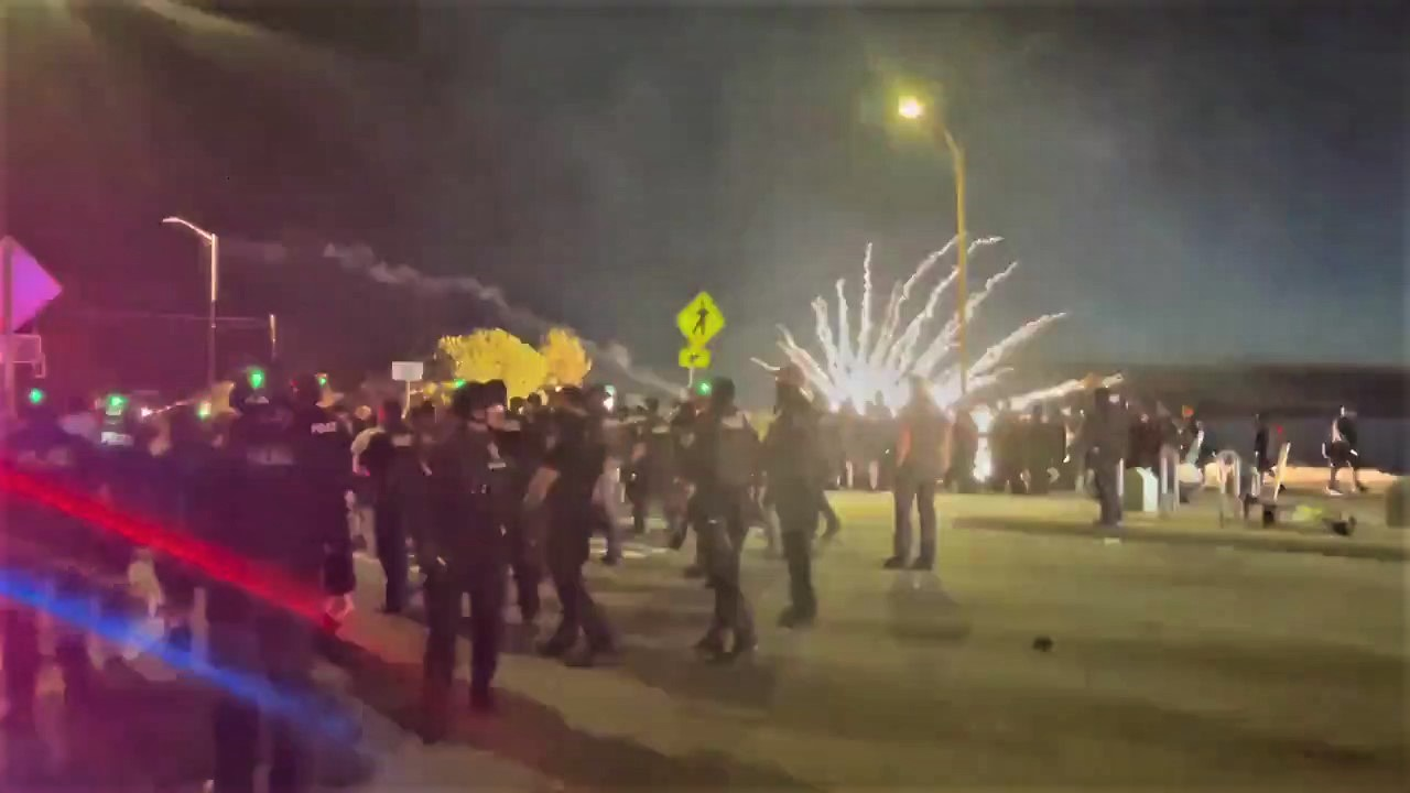 Police Attack Hundreds of Seattle Partygoers in Alki Beach