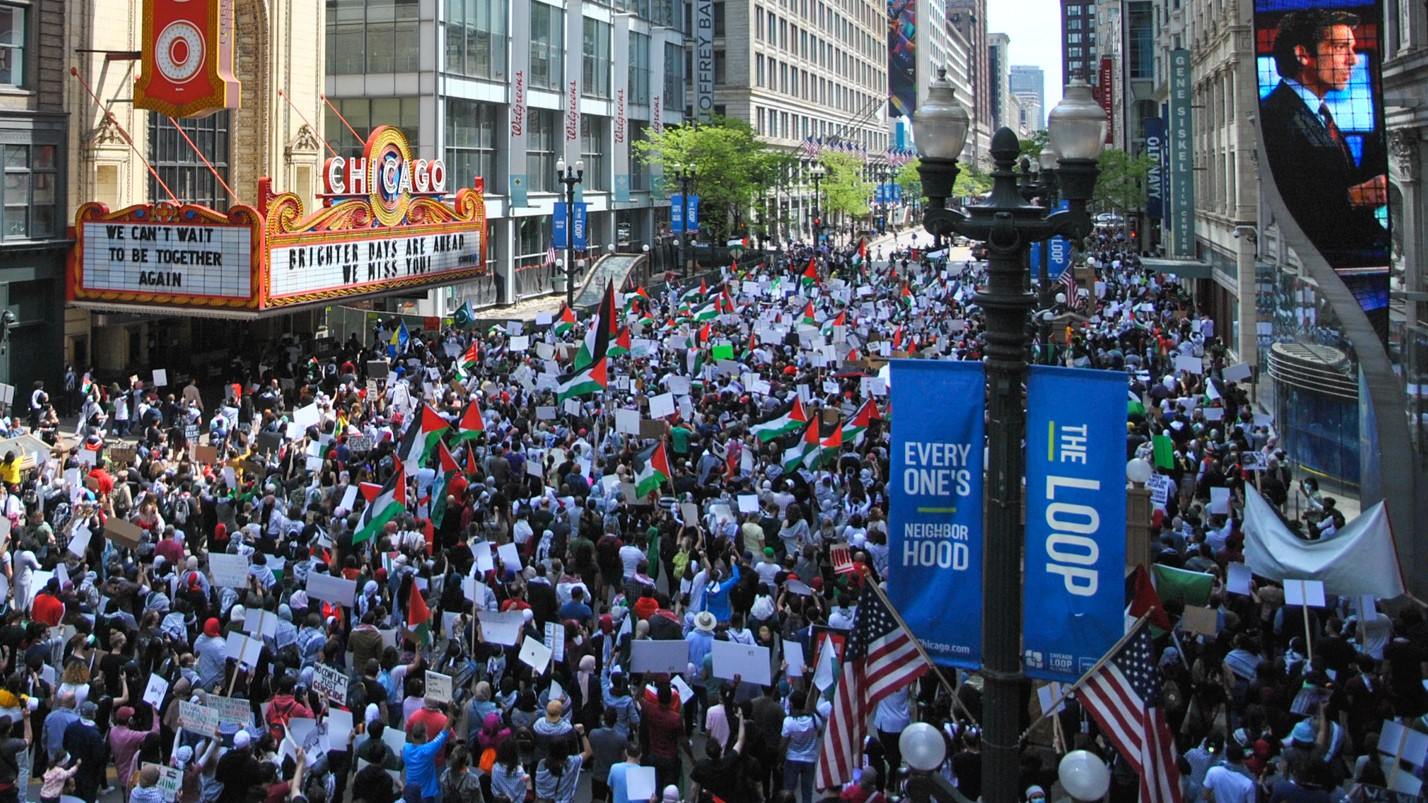 Thousands in Chicago March in Solidarity With Palestinian Struggle