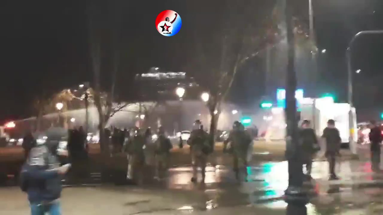 Dozens of Chileans Protest in Santiago in Support of Political Prisoners
